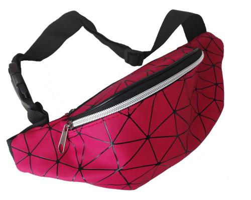 Сумка на пояс красная, с орнаментом треугольники