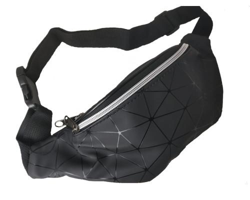 Сумка на пояс черного цвета, с орнаментом треугольники