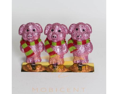 Набор елочных игрушек в виде поросят розовых с шарфом 3 шт