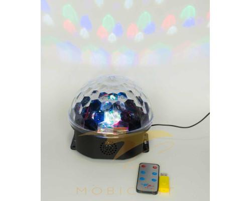 Лампа-шар музыкальный создает новогодний свет
