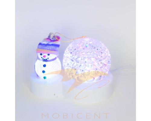 Фигура снеговика со светящимся шаром